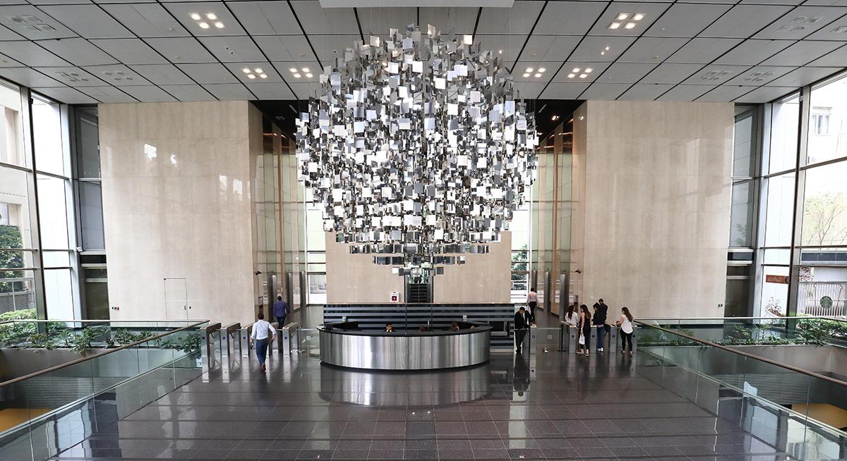 Sphère Acier Miroir,  la última creación de Julio Le Parc
